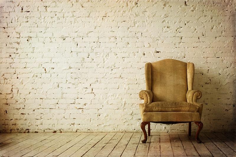 Alter Sessel muss restauriert werden