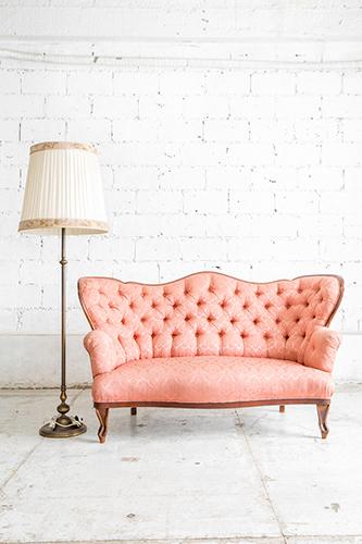 Antikes Sofa mit neuem Stoff